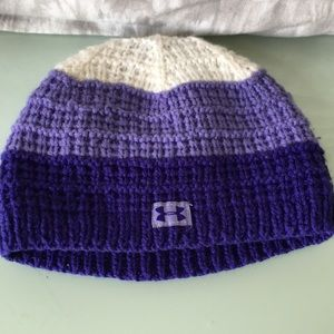 Preowned good condition Under Armor UA hat beanie